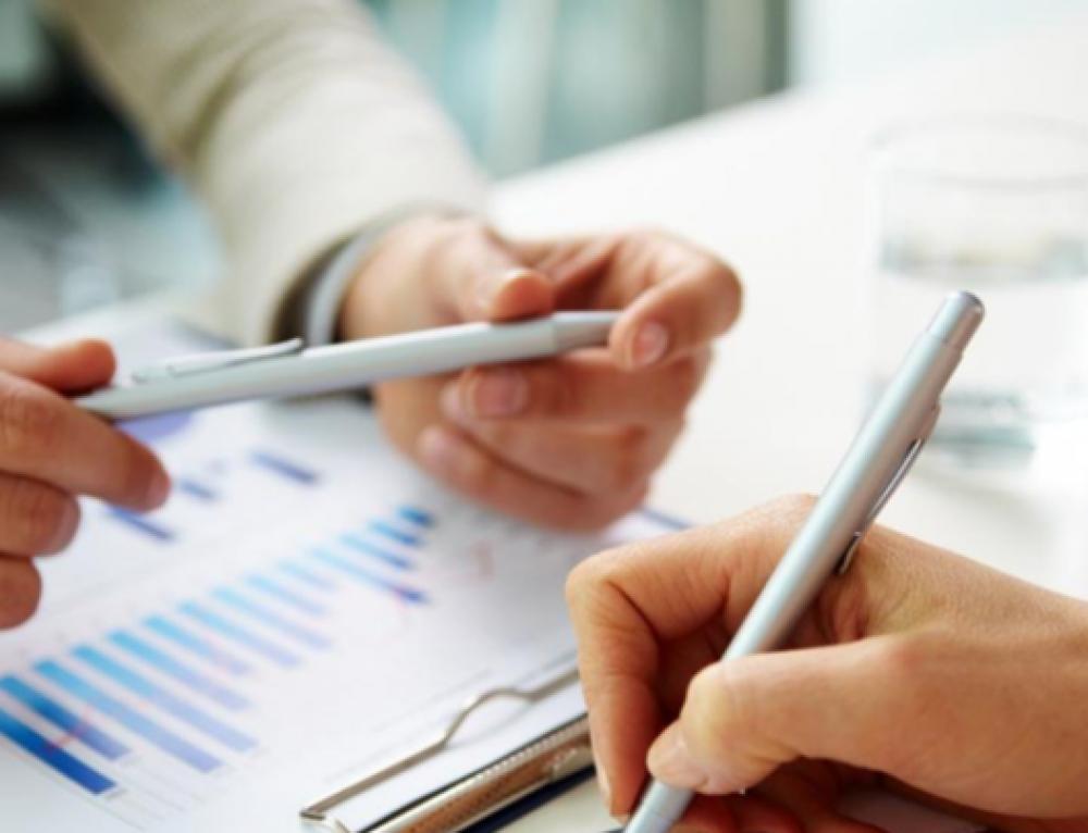 Gestió administrativa i facturació de clients públics i privats en sanitat